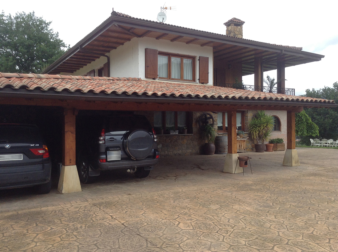 Fabricación de porche en vivienda unifamiliar